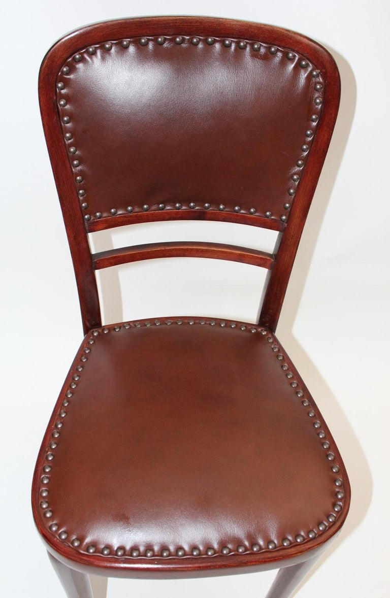 Early 20th Century Jugendstil Vintage Beech and Leather Chair Kat. Nr. 491 by Thonet, circa 1904 For Sale