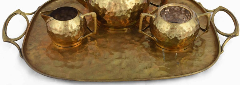 Jugenstil Brass Centrepiece / Teaset with Tray by Carl Deffner, Germany, 1910s In Good Condition For Sale In Roma, IT