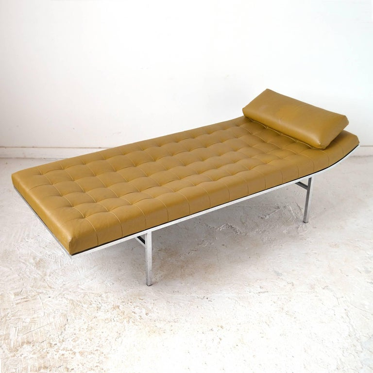 Jules Heumann Chaise by Metropolitan For Sale 2