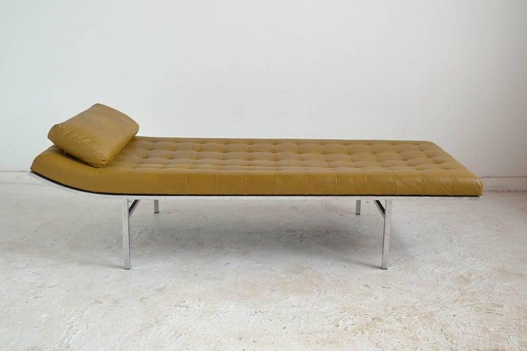 Mid-Century Modern Jules Heumann Chaise by Metropolitan For Sale