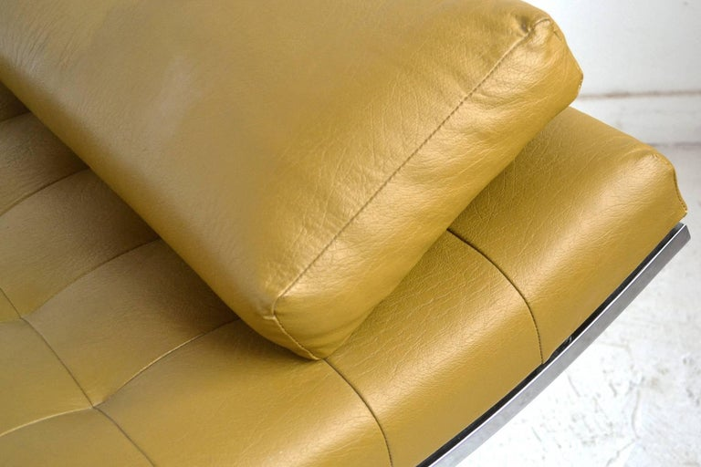 Late 20th Century Jules Heumann Chaise by Metropolitan For Sale