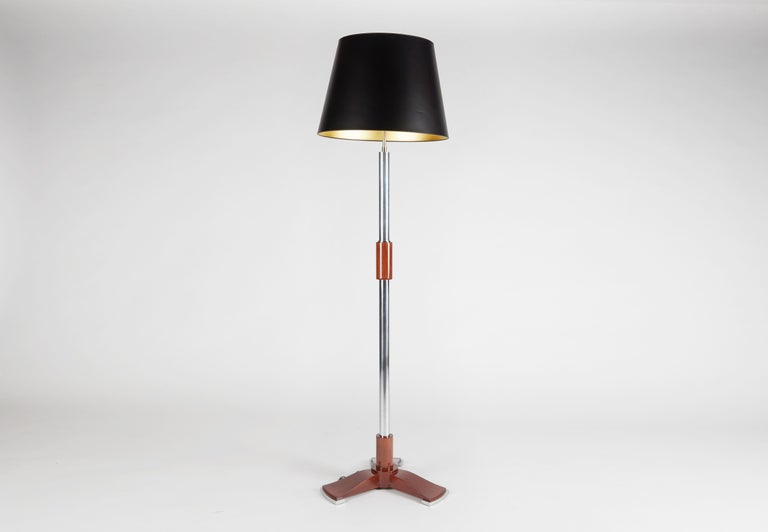 Jules Leleu, Art Deco Tripod Floor Lamp in Chrome and Walnut, France, C. 1932 For Sale 1