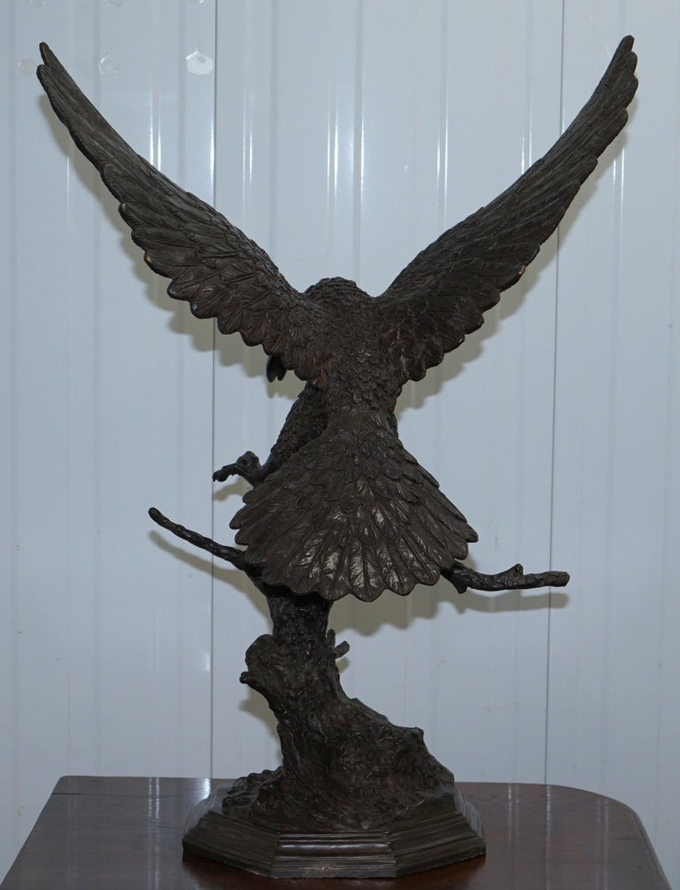 Jules Moigniez Solid Bronze 1860s Statue of Eagle France Made For Sale 11