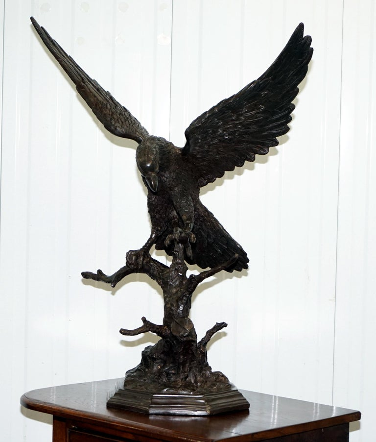 Victorian Jules Moigniez Solid Bronze 1860s Statue of Eagle France Made For Sale