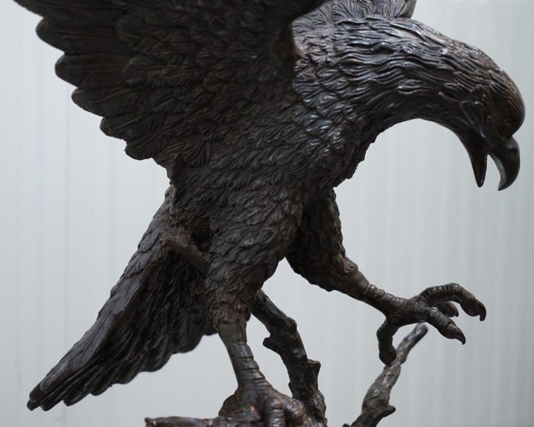 Jules Moigniez Solid Bronze 1860s Statue of Eagle France Made In Good Condition For Sale In London, GB