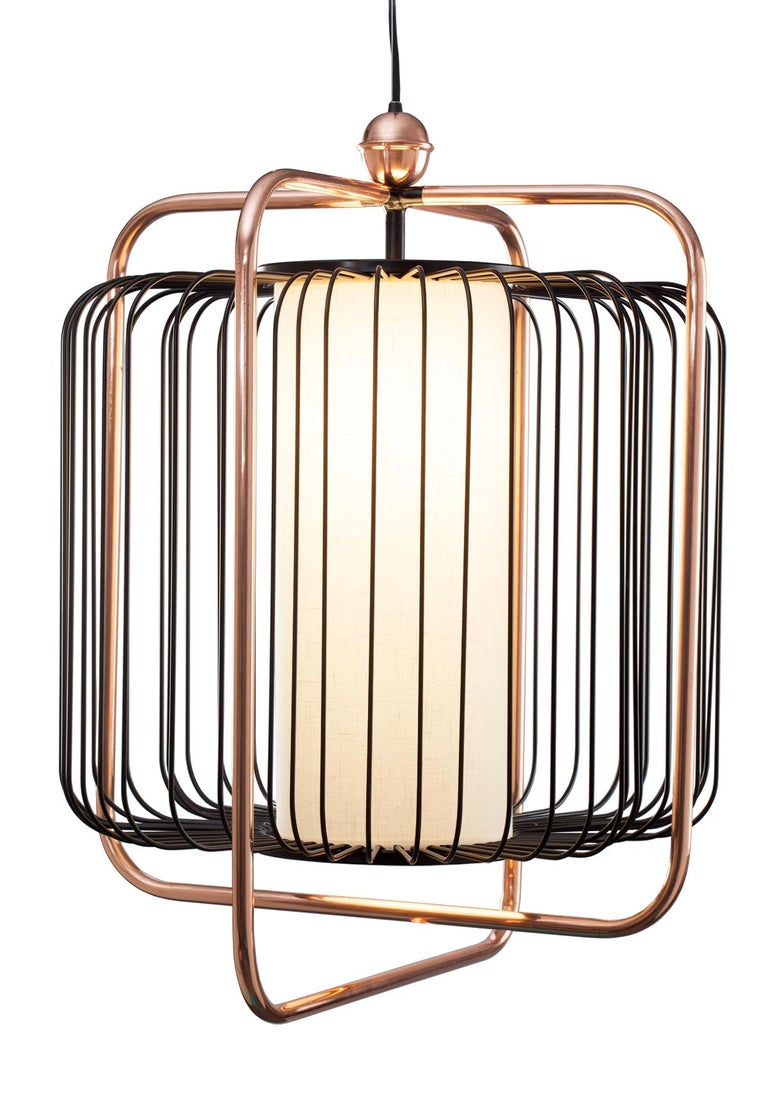 Jules is all about a timeless, effortless sophistication. A perfect combination of polished brass or copper with fun lacquered metal colors and a soft and elegant linen shade that softly diffuses the light enclosed in the structure. The structure is