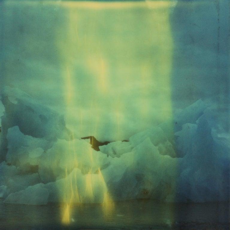 Julia Beyer Color Photograph - Idly I de-ice