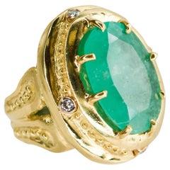 Julia Boss 18 Karat Yellow Gold Oval Colombian Emerald and Diamond Ring
