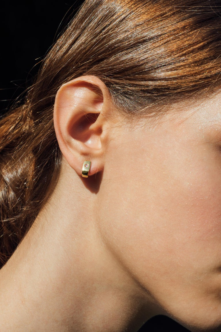 Contemporary Julia-Didon Cayre 18 Karat Yellow Gold Pink Sapphire Earrings For Sale