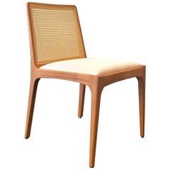"""""""Bruna"""" Minimalistischer Stuhl mit Armlehnen aus Lackiertem Stahl und mit Blauem Samt, Handgewebt"""