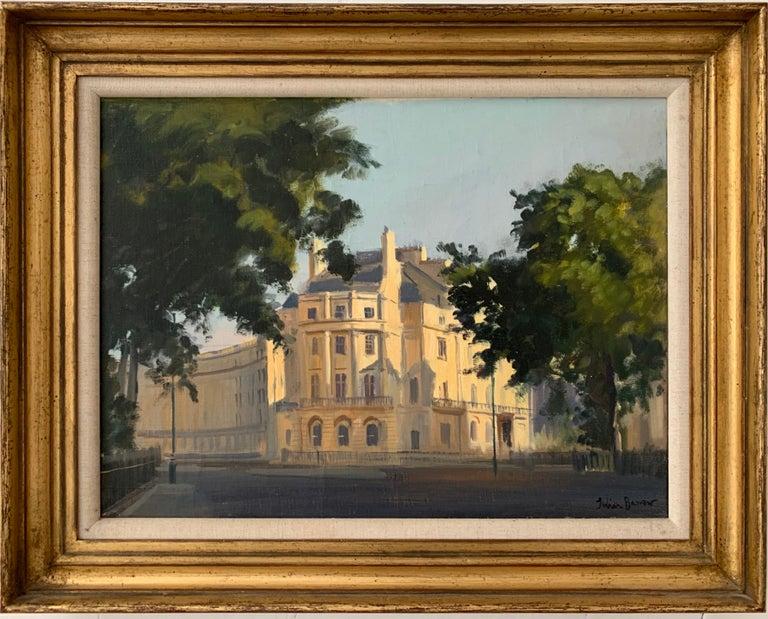 Julian Barrow Portrait Painting - SIGNED ORIGINAL OIL - LONDON STREET SCENE SUNLIGHT