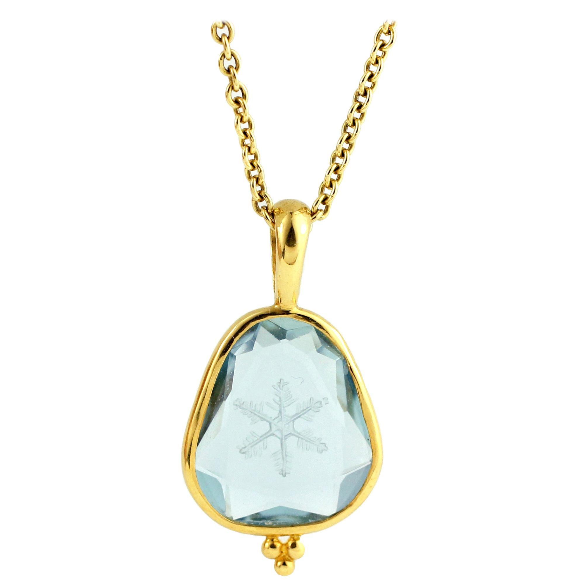 Julius Cohen Carved Aquamarine Snowflake Pendant Necklace