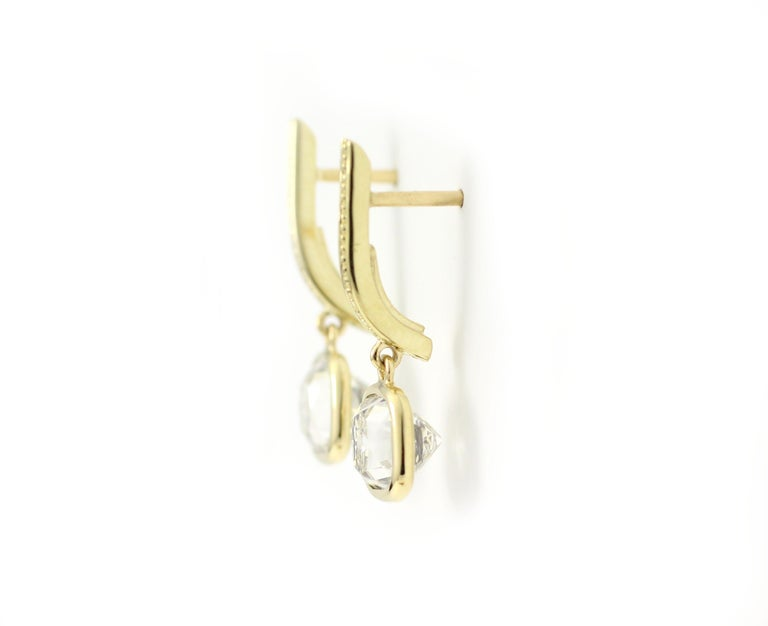 Contemporary Julius Cohen Old Mine Cushion Diamond Earrings in 18 Karat Gold For Sale