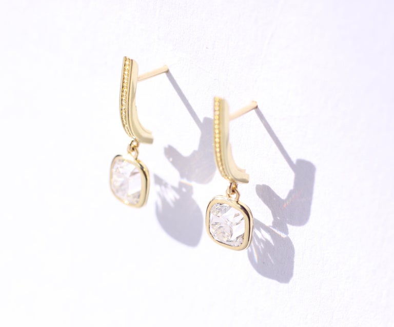 Julius Cohen Old Mine Cushion Diamond Earrings in 18 Karat Gold For Sale 1