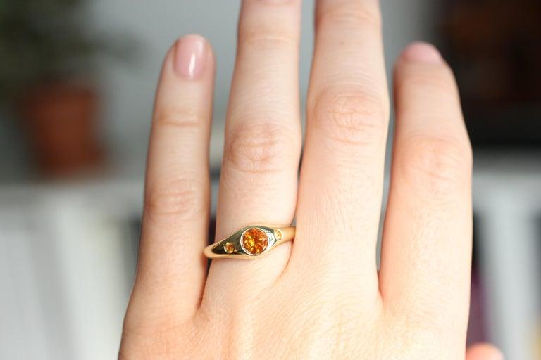 Contemporary Julius Cohen Orange Diamond and Sapphire Ring in 18 Karat Gold For Sale