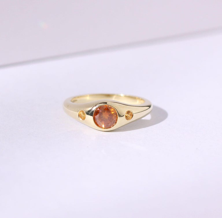 Julius Cohen Orange Diamond and Sapphire Ring in 18 Karat Gold In New Condition For Sale In Brooklyn, NY
