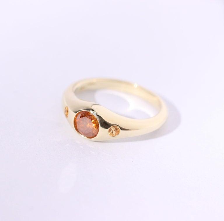 Women's or Men's Julius Cohen Orange Diamond and Sapphire Ring in 18 Karat Gold For Sale