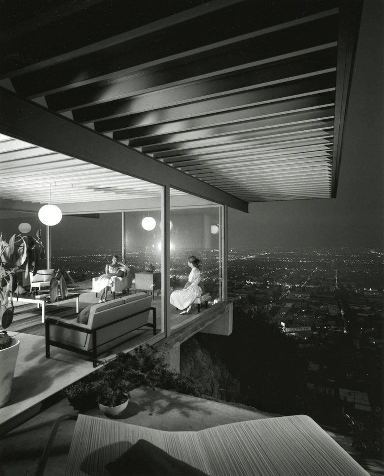Julius Shulman Black and White Photograph - Case Study House 22