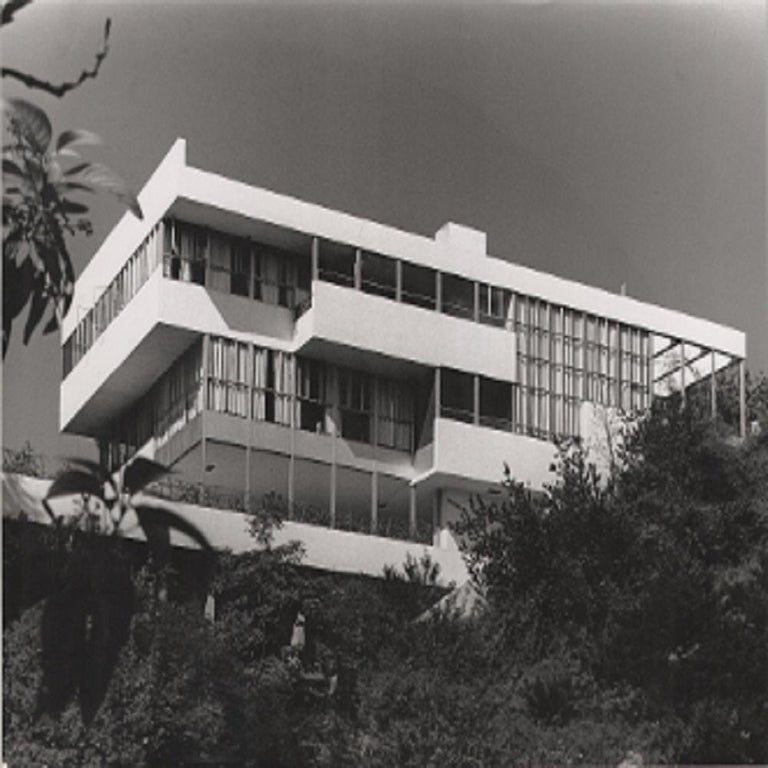 "Julius Shulman Black and White Photograph - ""The Lovell House"" Los Angeles, California. Richard Neutra"