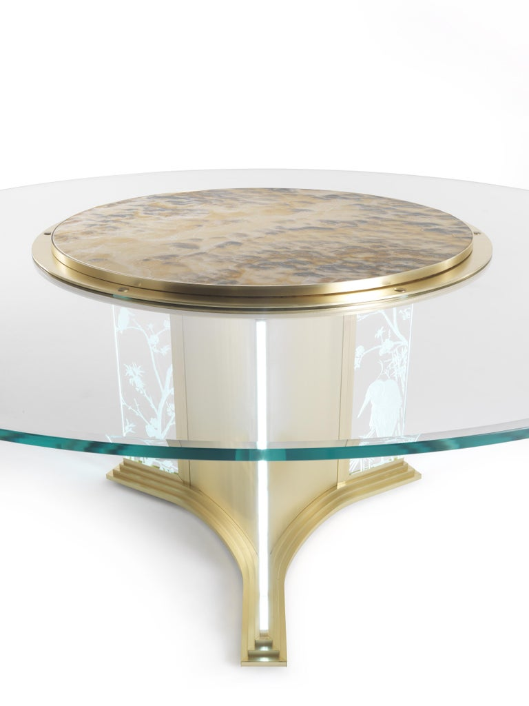 Modern Jumbo Collection Fuji Round Dining Table in Brass and Glass with Onyx Top For Sale