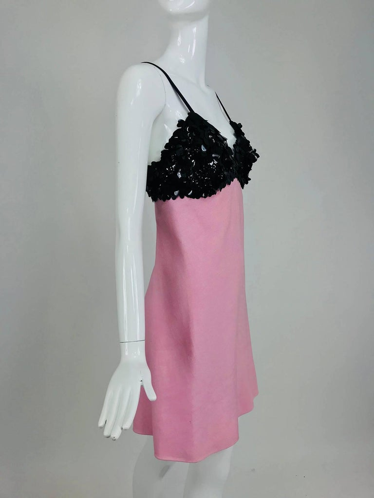 Junior Sophisticates black paillette and pink linen dress and coat, 1960s In Excellent Condition For Sale In West Palm Beach, FL