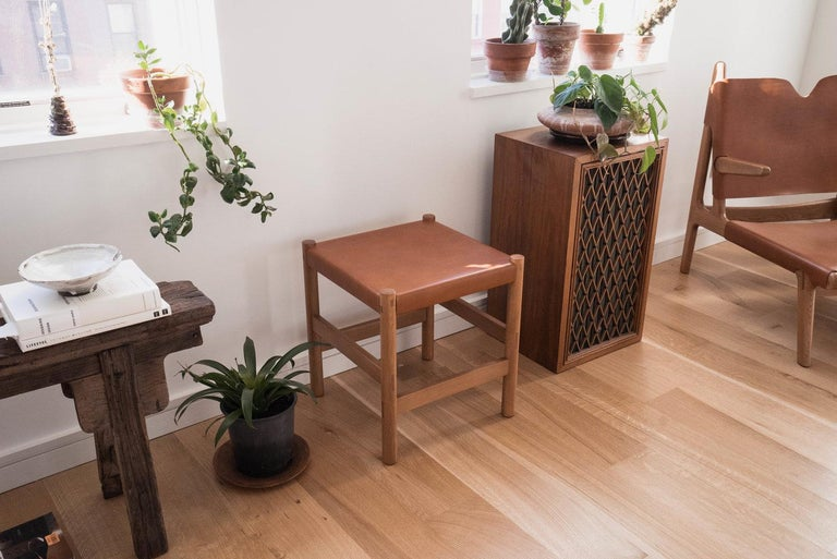 Juniper Stool by Sun at Six, Sienna Minimalist Stool in Wood and Leather In New Condition For Sale In San Jose, CA