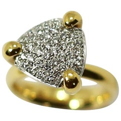 K di Kuore Diamonds and 18 Karat Yellow Gold Ring