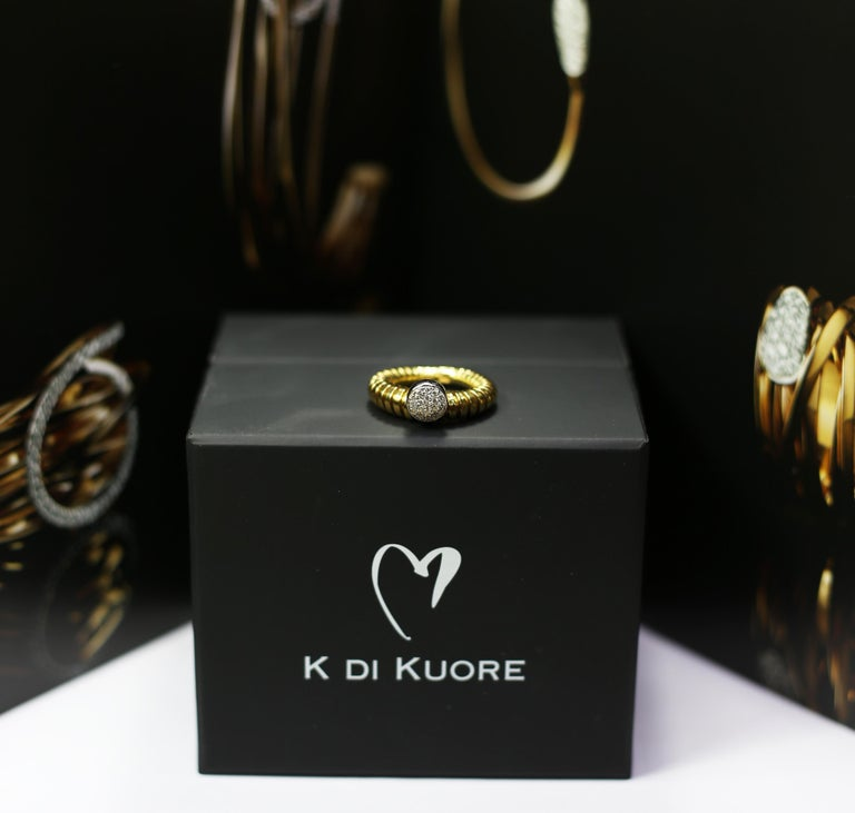 K di Kuore Italian Designer Flexo System 18k Yellow Gold Ring with Diamond Cente For Sale 3