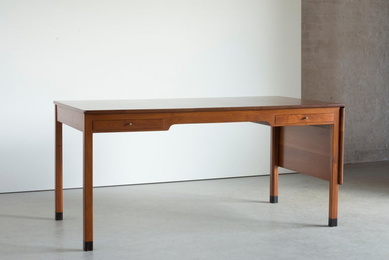 Kaare Klint Mahogany Desk for Rud. Rasmussen In Good Condition For Sale In Copenhagen, DK
