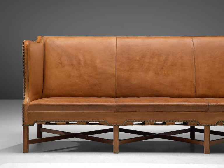 Kaare Klint Sofa '4118' in Mahogany and Original Cognac Leather In Good Condition For Sale In Waalwijk, NL