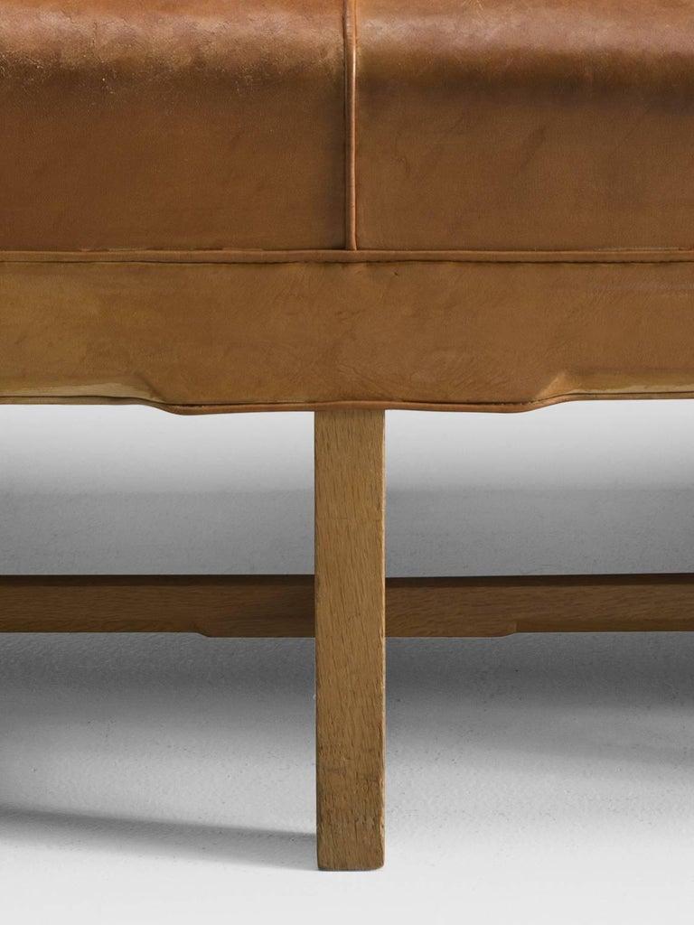 Mid-20th Century Kaare Klint Sofa in Oak and Original Cognac Leather For Sale