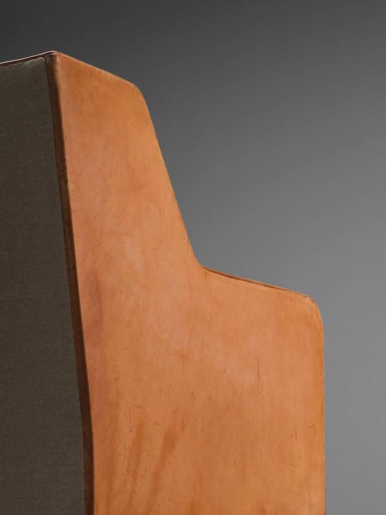 Kaare Klint Sofa in Oak and Original Cognac Leather For Sale 1