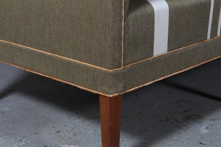 Kaare Klint Table Sofa 6092 In Good Condition For Sale In Esbjerg, DK