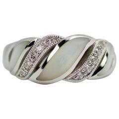 Kabana 14 Karat White Gold Round Diamond and Mother of Pearl Inlay Ring