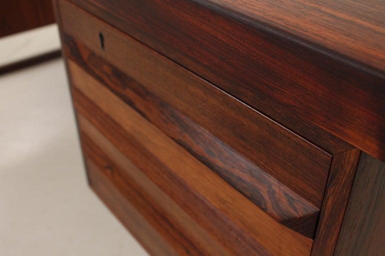 Freestanding desk, model 70 in rosewood by Kai Kristiansen from Fedballe Møbelfabrik in good vintage condition.