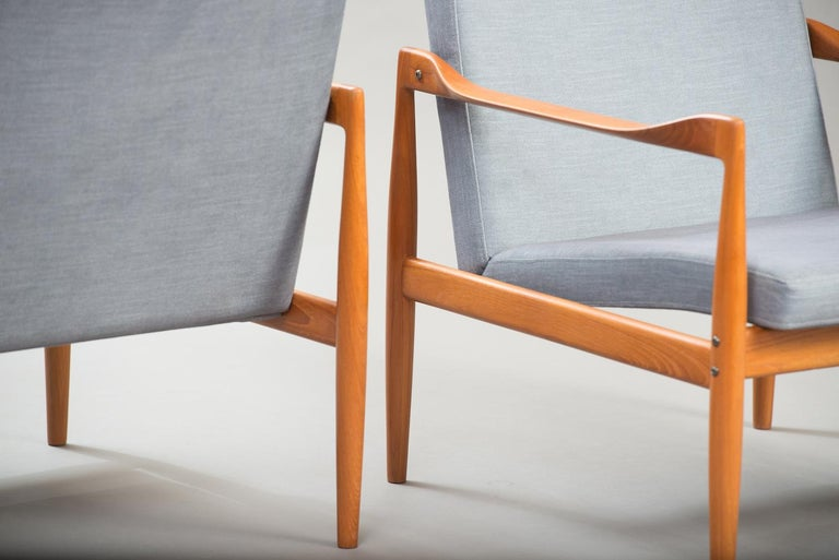 Varnished Kai Kristiansen Midcentury Teak Lounge Chairs for Fritz Hansen, Set of Two For Sale