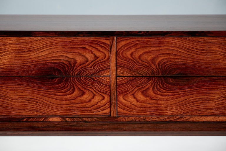 Kai Kristiansen Model 384 Rosewood Chest, 1960s In Excellent Condition For Sale In London, GB