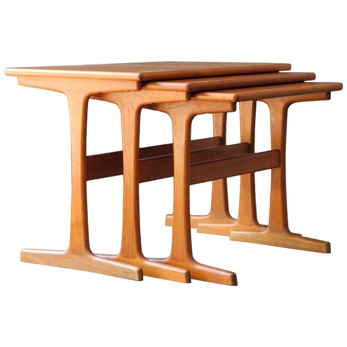 Kai Kristiansen Teak Set of Three Nesting Tables, Denmark Vildbjerg Møbelfabrik