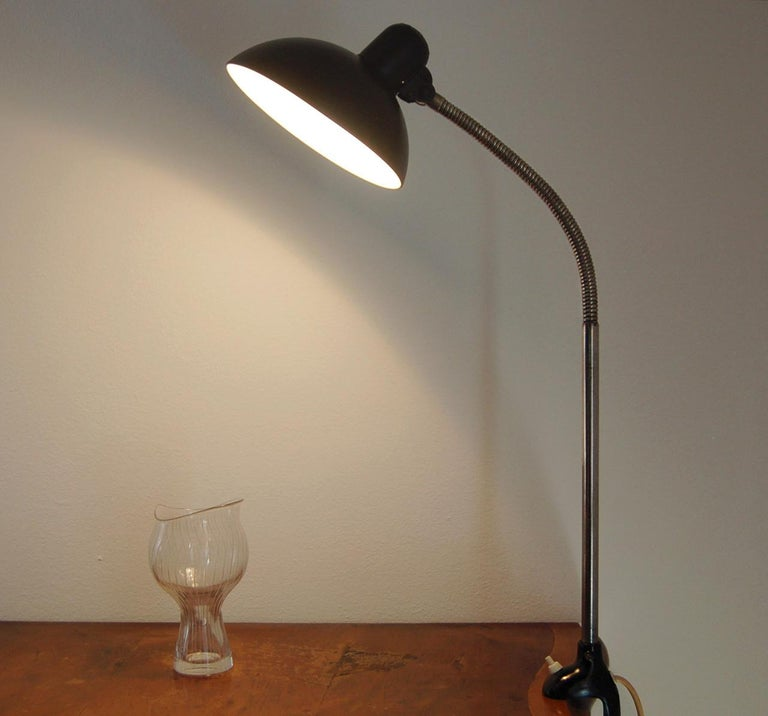 Kaiser iDell Model 6740 Table Lamp by Christian Dell In Good Condition For Sale In Montecatini Terme, IT