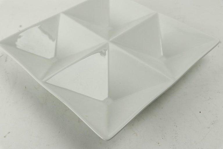 Geometric ceramic tray designed by Kaj Franck for Arabia. No damage, clean and original.