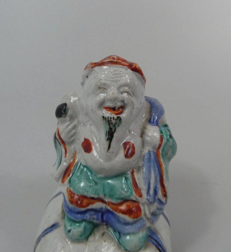 Kakiemon Porcelain Water Dropper, Daikoku, circa 1680, Edo Period In Good Condition For Sale In Gargrave, North Yorkshire