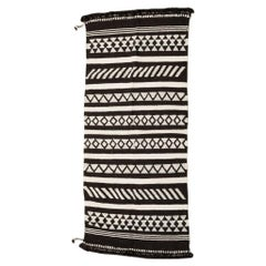 KALA Handloom Wool Indian Rug in Black and White Geometric Patterns