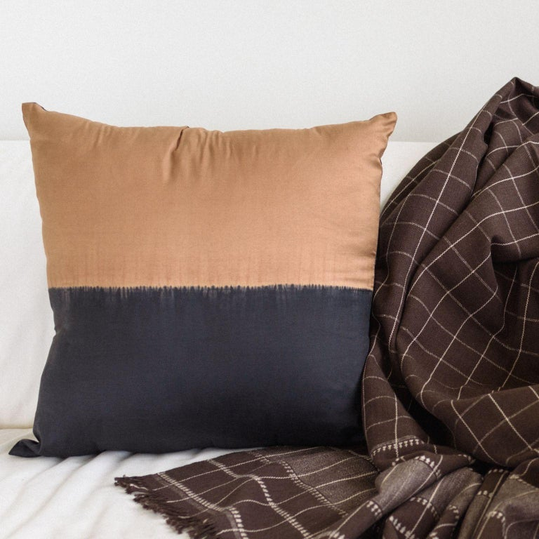 KALA Silk Color Block Pillow in Black Gold  For Sale 3