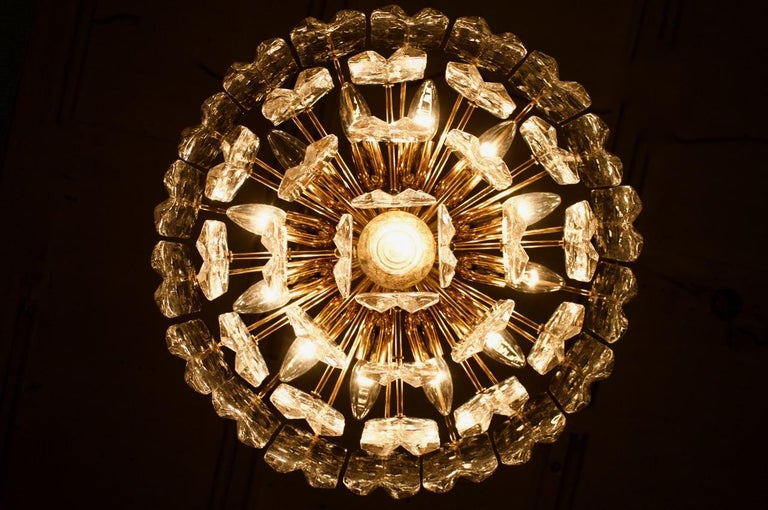 Kalmar Chandelier Palazzo Gilt Brass and Glass Austria, 1970s For Sale 1