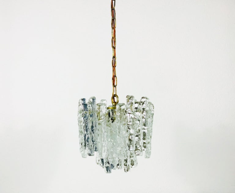 Kalmar Midcentury Ice Crystal Glass Pendant Light or Chandelier, circa 1960s For Sale 1