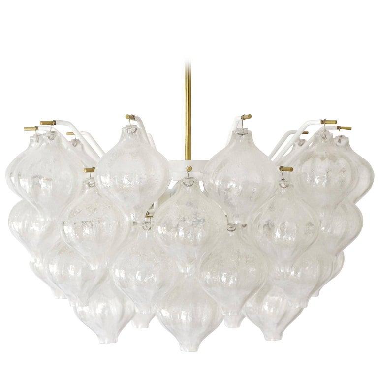 Mid-Century Modern Kalmar 'Tulipan' Chandelier Pendant Light, Glass Brass, 1970 For Sale