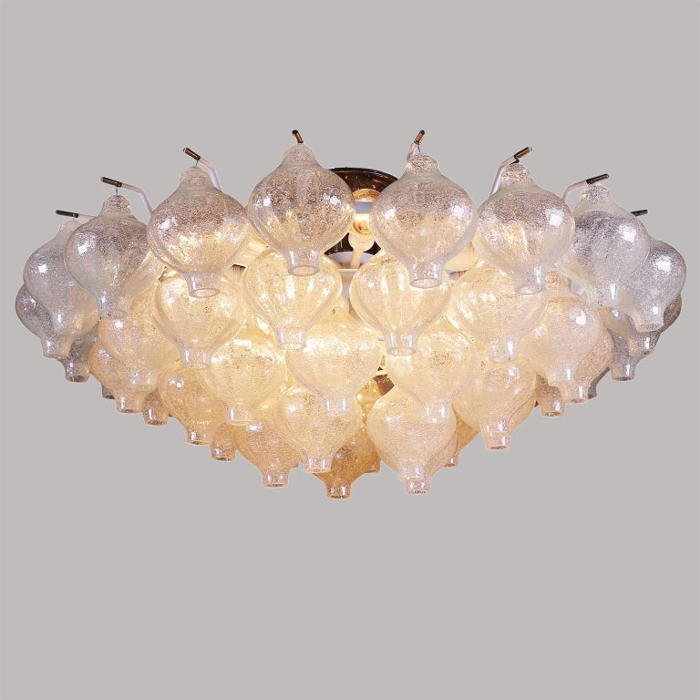 Kalmar 'Tulipan' Flush Mount Light Chandelier, Murano Glass Brass, 1970, 1 of 2 In Excellent Condition For Sale In Vienna, AT