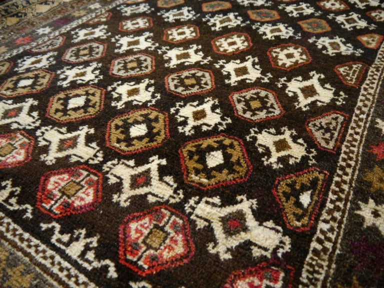 Karabagh Rug Hand Knotted in Azerbeijan, Midcentury For Sale 4