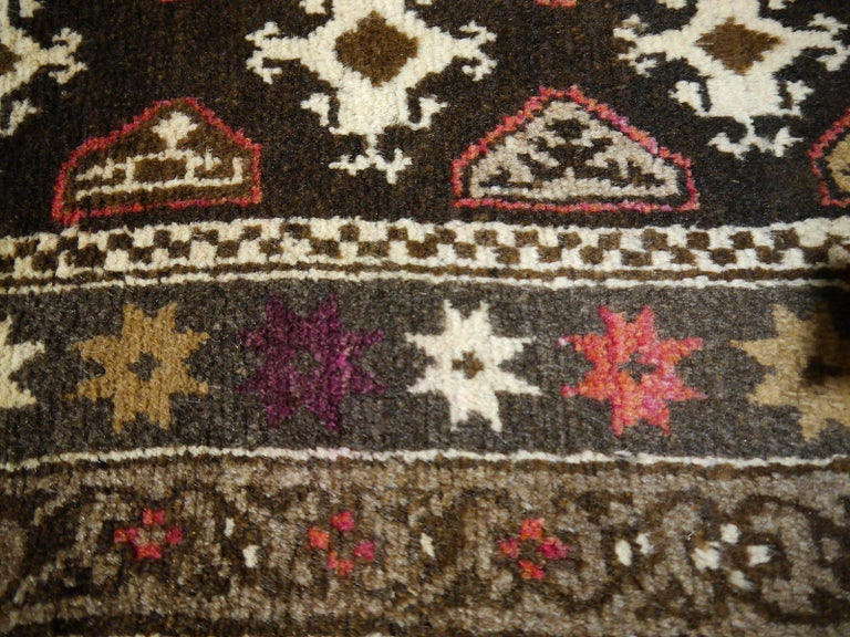 Karabagh Rug Hand Knotted in Azerbeijan, Midcentury For Sale 7