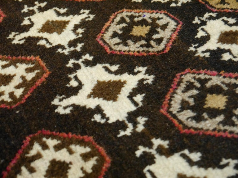Karabagh Rug Hand Knotted in Azerbeijan, Midcentury For Sale 11